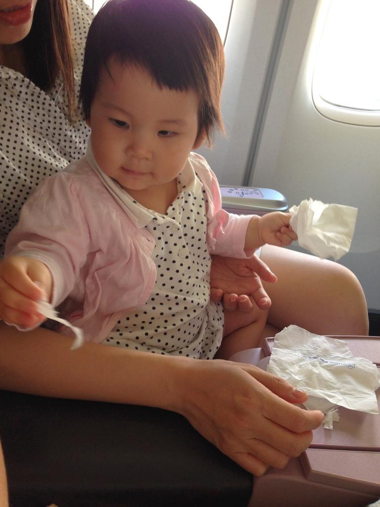 亲子游-峇里岛_1y1m 婴儿出国坐飞机初体验全纪录