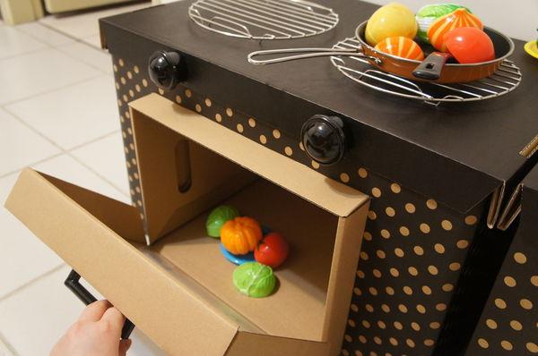 用纸箱做玩具.纸箱小屋 / 拔萝卜 / 小汽车 /小马桶